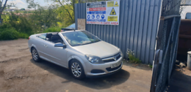 Breaking for spares vauxhall astra convertible 1.6 2006