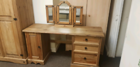 Corona pine dressing table+mirror
