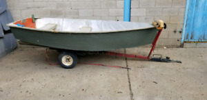 10 foot  aluminum fishing boat with trailer