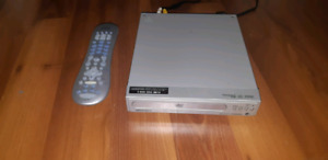 DVD PLAYER AND UNIVERSAL REMOTE