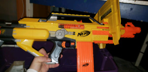 Nerf Guns / There are 8!