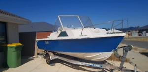 Fraser Half-Cab 5.2m boat