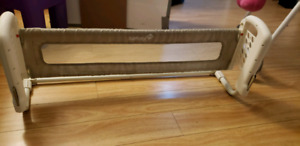 Adjustable bed rail for toddlers