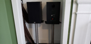FS: PSB 300 Bookshelf speakers
