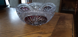 "Beautiful vintage pinwheel bowl 4"" tall and 9"" in diameter"