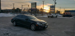 2010 Mercedes E550 4Matic V8 FULLY LOADED.