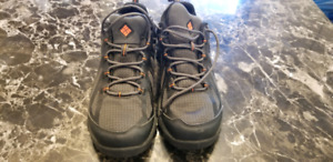Men's Size 8 Columbia Shoe