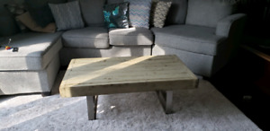 Funky wooden-metal Antique finish coffee table