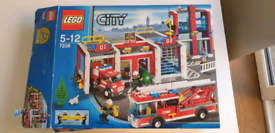 Lego City 7208 Fire station & vehicles 100% complete box, instructions