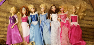 Barbie et princesses en poupée Barbie