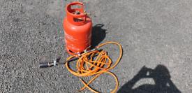 Gas bottle an burners