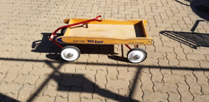 Vintage Eaton Truline wood wagon from 1970s