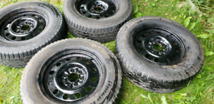 Snow tires with rims For Ford F150 275/65/18