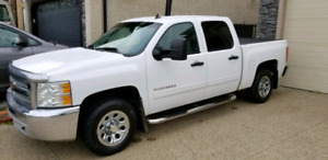 Chevy Silverado Crew Cab 4x4 with 5.3 L