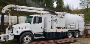 1999 FREIGHT LINER T/A HYDRO VACUUM TRUCK