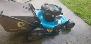 LAWN MOWER TOP OF LINE *SELF PROPELLED* EZ START