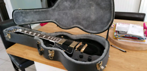 Stagg Les Paul style left handed electric with case