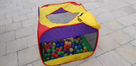 Children's netted play pit