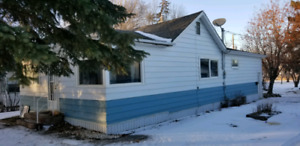 House for sale/rent Mossbank Saskatchewan