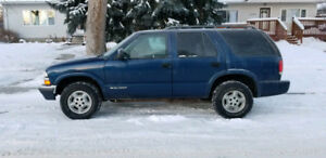 Selling 2001 Chevy Blazer, remote start, 4x4, new tires. Reduced
