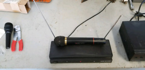 Used wireless microphone system