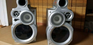 2 JVC speakers