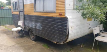 Late 80's caravan Thomastown Whittlesea Area Preview
