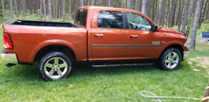 2013 Dodge 1500 Hemi Outdoorsman Crew Cab