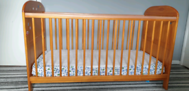 Cot bed for baby/toddler