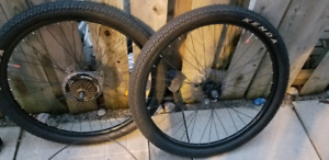 Like new 650b (27.5inch) DISC Mountain Bike Wheelset & tires