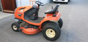 Kubota T1880 ride on Lawnmower