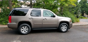 2012 GMC Yukon SLT  *low mileage*