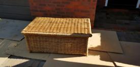 Wicker chest/storage box/ coffee table