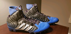 Souliers de football Addidas