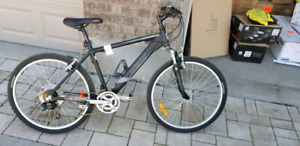 Like new infinity aluminum frame unisex Mountain bike