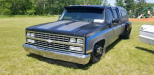 1989 Chevy Bagged Dually