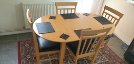 Swap Extendable Dining table and 4 chairs