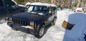 Jeep cherroke 82 000km