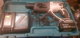 MAKITA 18V SDS ROTARY HAMMER DRILL (WHITE) & 4.0AH BATTERY & CHARGER