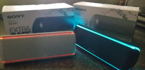Sony SRS-XB31 bluetooth speakers