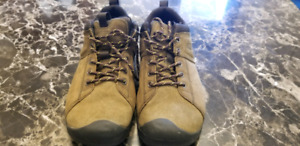 Men's Size 8 Keen Shoe