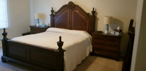 4 poster 6 piece bedroom suite King Size