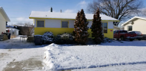 House for rent in Burstall 50 min north of the Hat