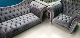 Grey plush velvet Chesterfield elegance Italian 3&1 Seater sofa set