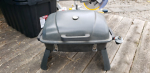 Portable camping propane barbeque (bbq)
