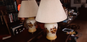 """2 Beautiful large vintage Lamps 25"""" tall, works fine"""