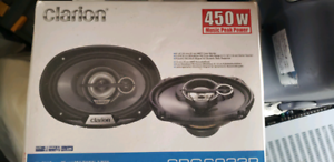 "Clarion car speaker comes with 6""x9"" woofer and dome tweeter"