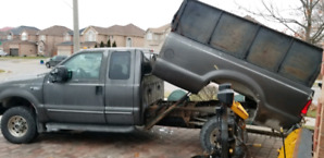 2004 Ford F350 with Dumping Bed