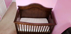 Crib , sold wood / gently used