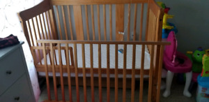 Stork Craft heather II 4 in 1 crib
